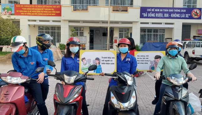 Trương Quỳnh Anh, Hồ Đức Vĩnh cùng đông đảo bạn trẻ hiến máu ảnh 14