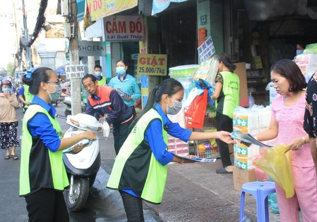 Trương Quỳnh Anh, Hồ Đức Vĩnh cùng đông đảo bạn trẻ hiến máu ảnh 11