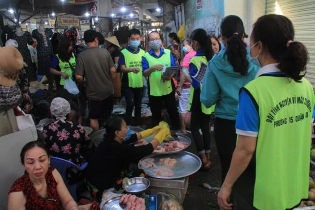 Trương Quỳnh Anh, Hồ Đức Vĩnh cùng đông đảo bạn trẻ hiến máu ảnh 10
