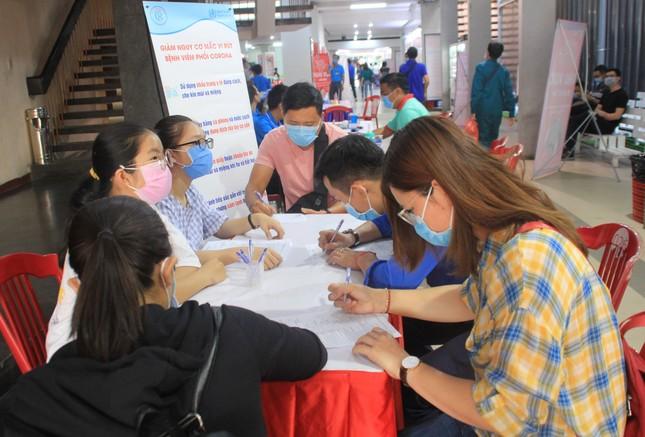 Trương Quỳnh Anh, Hồ Đức Vĩnh cùng đông đảo bạn trẻ hiến máu ảnh 7