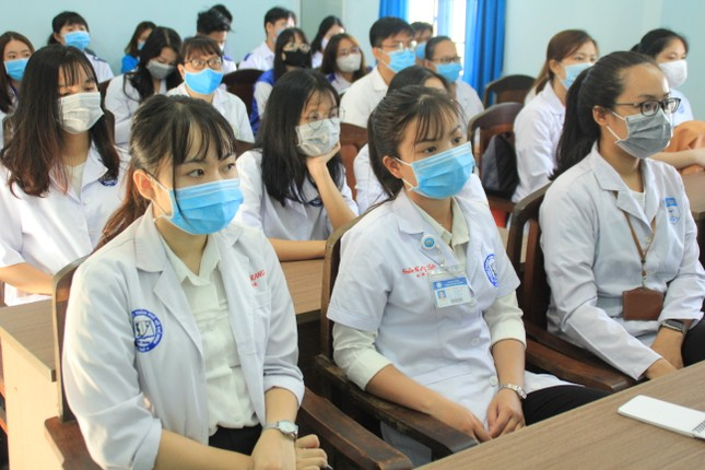 Lập đội hình 200 sinh viên Y dược, bác sỹ trẻ hỗ trợ phòng, chống dịch ảnh 3