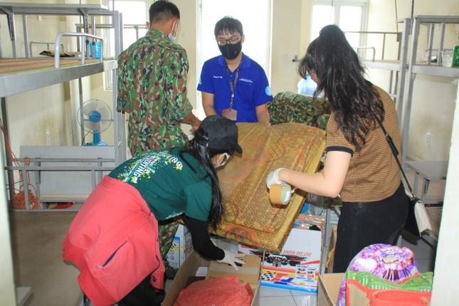 Tình nguyện viên ở Ký túc xá làm nơi cách ly ảnh 1