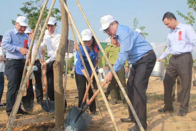 TPHCM phát động Tết trồng cây, đặt mục tiêu trồng 1 triệu cây xanh trong năm 2020 ảnh 3
