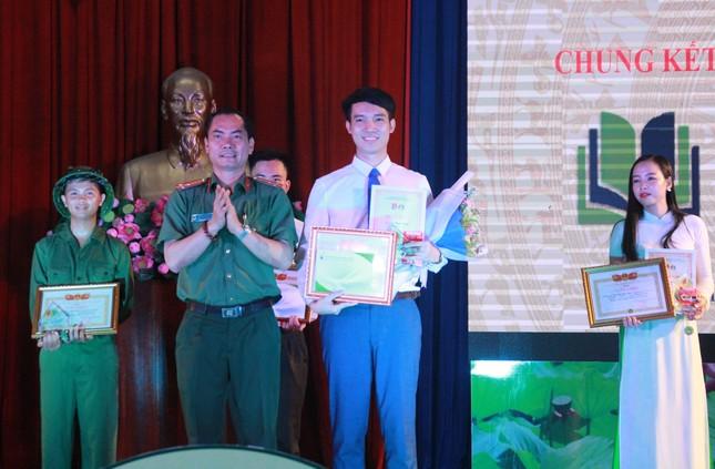 Thí sinh Ngô Anh Tú đoạt quán quân cuộc thi 'Quyển sách tôi yêu' ảnh 7