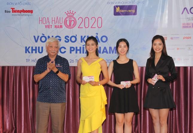 Nhìn lại giây phút công bố Top 30 thí sinh bước vào Bán kết Hoa hậu Việt Nam 2020 ảnh 14