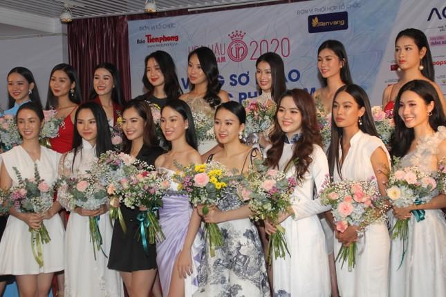 Nhìn lại giây phút công bố Top 30 thí sinh bước vào Bán kết Hoa hậu Việt Nam 2020 ảnh 10