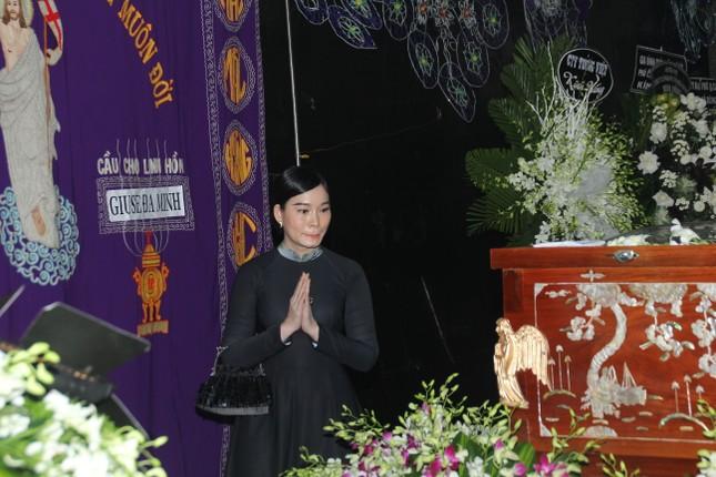 Đông đảo thế hệ nghệ sĩ đến tiễn biệt NSND Lý Huỳnh ảnh 10