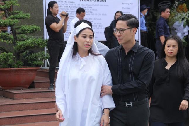 Đông đảo thế hệ nghệ sĩ đến tiễn biệt NSND Lý Huỳnh ảnh 6