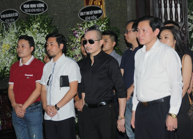 Đông đảo thế hệ nghệ sĩ đến tiễn biệt NSND Lý Huỳnh ảnh 1