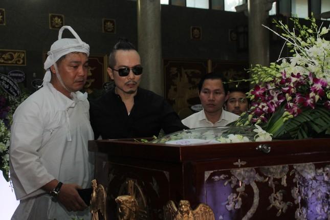 Đông đảo thế hệ nghệ sĩ đến tiễn biệt NSND Lý Huỳnh ảnh 2