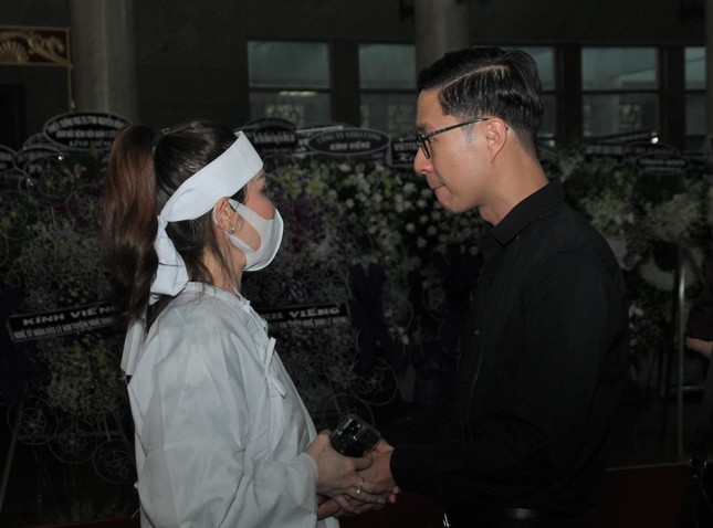 Đông đảo thế hệ nghệ sĩ đến tiễn biệt NSND Lý Huỳnh ảnh 7