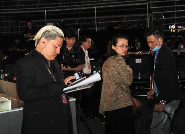Người dân Vũng Tàu đến với đêm thi Người đẹp Thời trang Hoa hậu Việt Nam 2020 ảnh 10