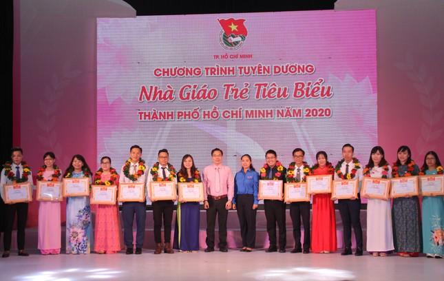TPHCM tuyên dương 161 nhà giáo trẻ tiêu biểu ảnh 4