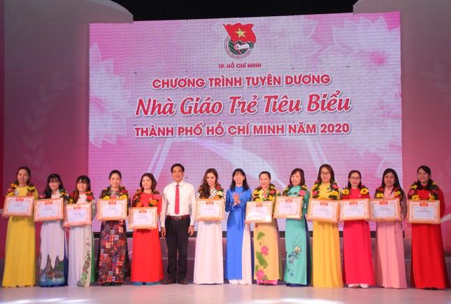 TPHCM tuyên dương 161 nhà giáo trẻ tiêu biểu ảnh 9