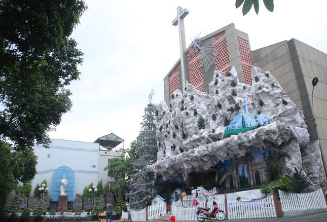 Xóm đạo Sài Gòn trang hoàng lung linh đón Giáng sinh ảnh 19