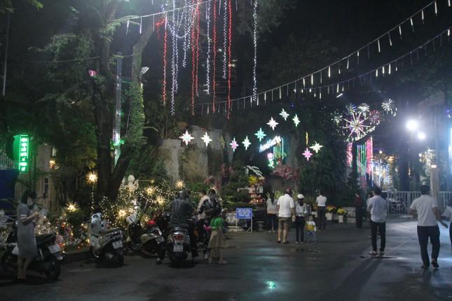 Xóm đạo Sài Gòn trang hoàng lung linh đón Giáng sinh ảnh 23