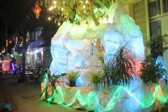 Xóm đạo Sài Gòn trang hoàng lung linh đón Giáng sinh ảnh 12