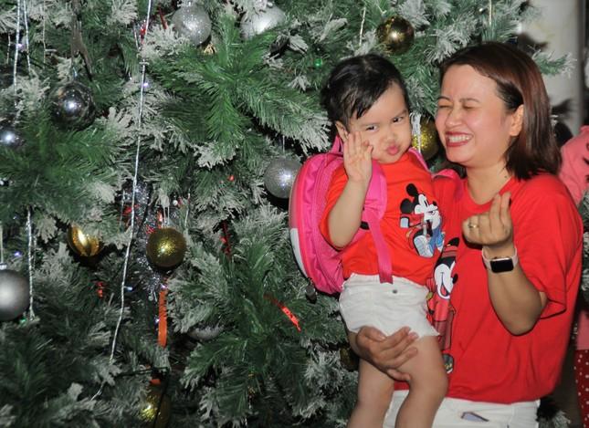 Xóm đạo Sài Gòn trang hoàng lung linh đón Giáng sinh ảnh 8