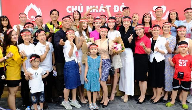 Dàn Á hậu, người đẹp HHVN khuấy động Chủ nhật Đỏ tại TPHCM ảnh 6