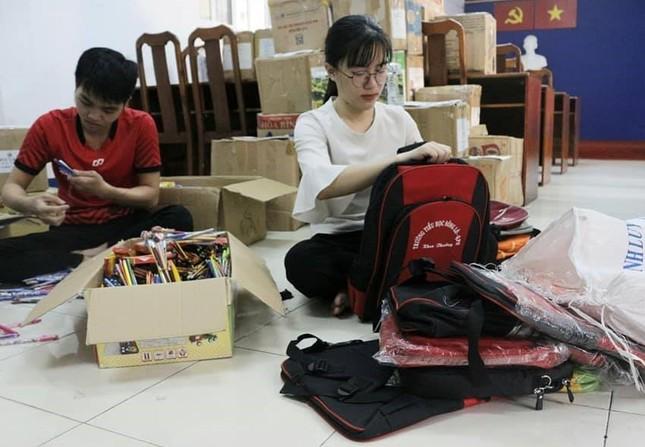 'Hành trình hoa nhân ái' chia sẻ quà ấm tình với bà con vùng khó Đắk Nông ảnh 5