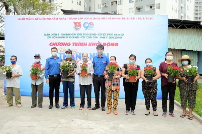 Khởi động Tháng Thanh niên, bạn trẻ TPHCM làm đẹp chung cư, cùng đẩy lùi COVID-19 ảnh 7