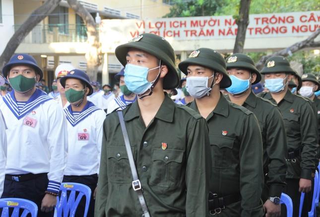 Gần 5.000 tân binh TPHCM, thanh niên ĐBSCL hăng hái lên đường bảo vệ Tổ quốc ảnh 4