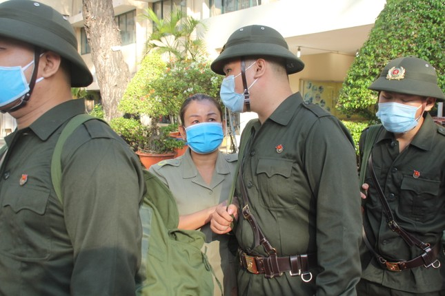 Gần 5.000 tân binh TPHCM, thanh niên ĐBSCL hăng hái lên đường bảo vệ Tổ quốc ảnh 19