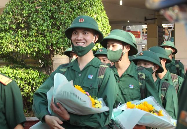 Gần 5.000 tân binh TPHCM, thanh niên ĐBSCL hăng hái lên đường bảo vệ Tổ quốc ảnh 22