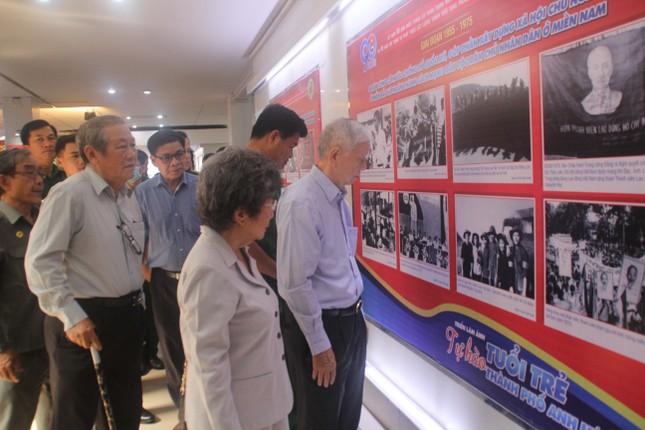 Triển lãm hình ảnh 90 năm tổ chức Đoàn và 45 năm lực lượng Thanh niên xung phong ảnh 3