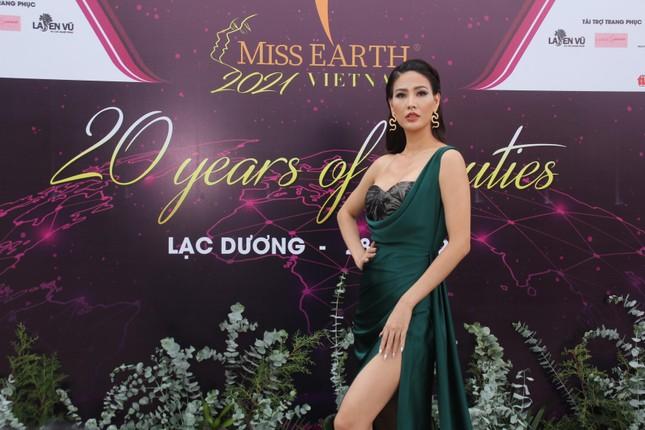 Hoa hậu Hà Kiều Anh cùng dàn người đẹp khoe sắc dự khởi động Miss Earth Vietnam 2021 ảnh 14