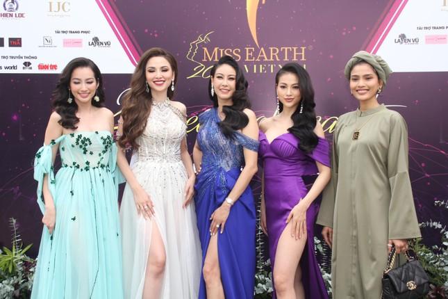 Hoa hậu Hà Kiều Anh cùng dàn người đẹp khoe sắc dự khởi động Miss Earth Vietnam 2021 ảnh 11