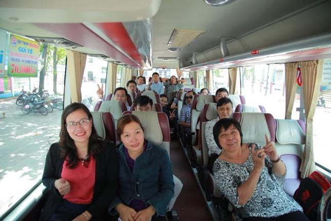 Hàng nghìn giảng viên Sài Gòn háo hức đi tỉnh coi thi THPT Quốc gia ảnh 4