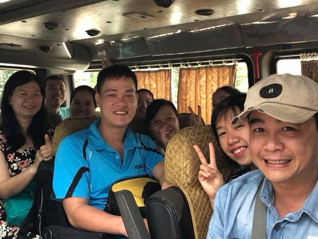 Hàng nghìn giảng viên Sài Gòn háo hức đi tỉnh coi thi THPT Quốc gia ảnh 7