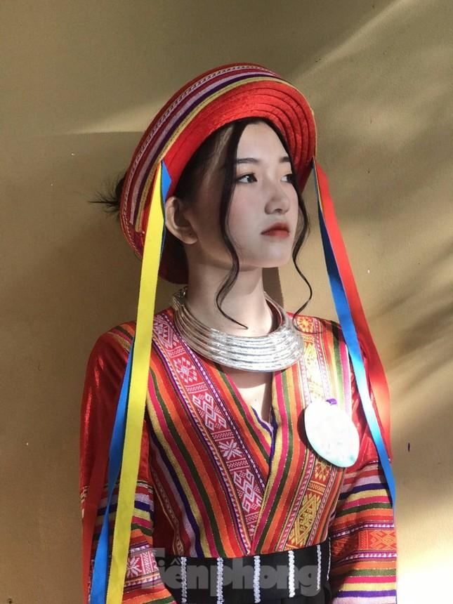 Nhan sắc trong trẻo của Hoa khôi 18 tuổi Thiên Nhi ảnh 5