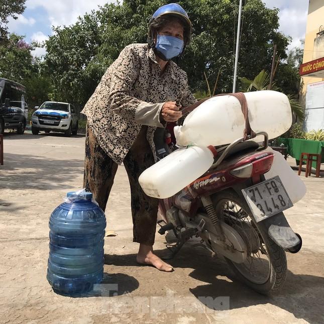 Trao tặng 13 hệ thống lọc nước nhiễm mặn cho Đồng bằng sông Cửu Long ảnh 5