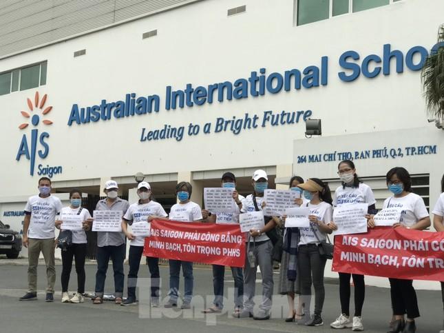 UBND TPHCM chỉ đạo giải quyết kiến nghị của phụ huynh trường Việt Úc ảnh 1
