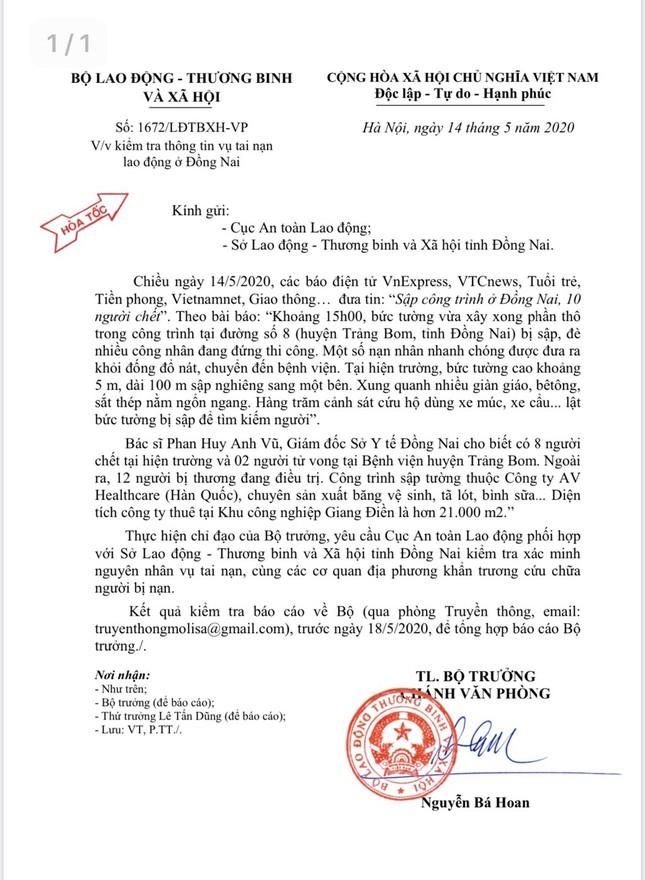 Bộ Lao động vào cuộc vụ sập tường làm 10 người tử vong ở Đồng Nai ảnh 1