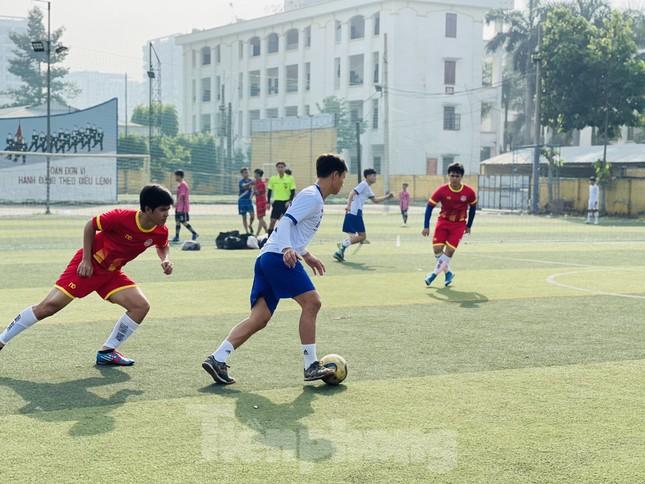 Đội bóng Trường THPT Thành Nhân vô địch giải Tiền Phong Champion Cup 2020 ảnh 3
