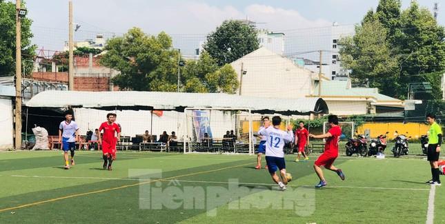 Đội bóng Trường THPT Thành Nhân vô địch giải Tiền Phong Champion Cup 2020 ảnh 4