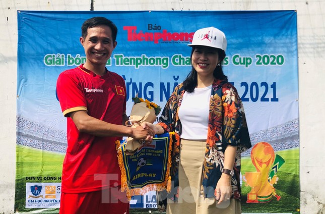 Đội bóng Trường THPT Thành Nhân vô địch giải Tiền Phong Champion Cup 2020 ảnh 5