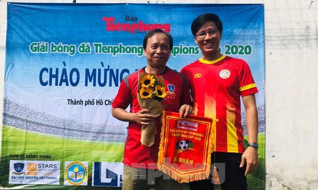 Đội bóng Trường THPT Thành Nhân vô địch giải Tiền Phong Champion Cup 2020 ảnh 6