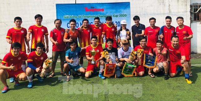 Đội bóng Trường THPT Thành Nhân vô địch giải Tiền Phong Champion Cup 2020 ảnh 7