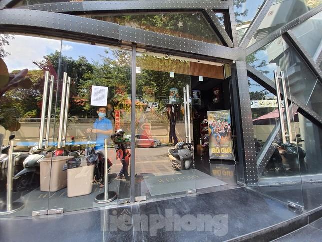 Quán karaoke, quán bar, quán nhậu ở TPHCM đồng loạt đóng cửa ảnh 2