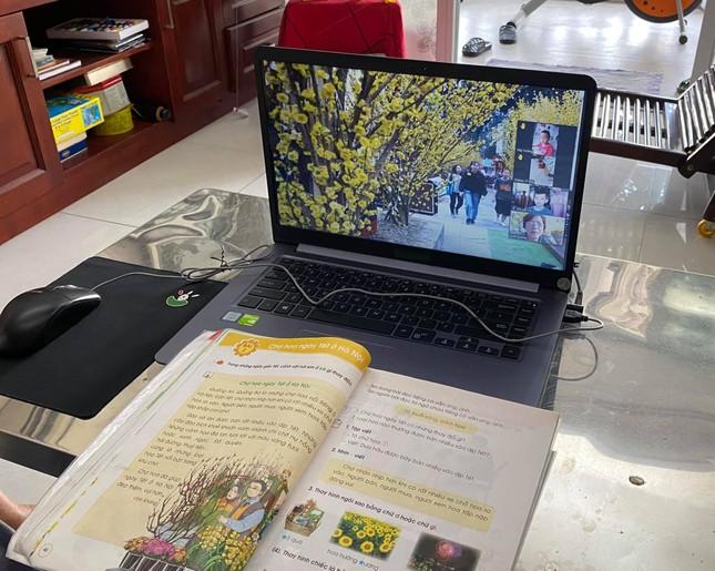 Tái dạy học trực tuyến: Trường sẵn sàng, học sinh gặp khó khăn ảnh 1