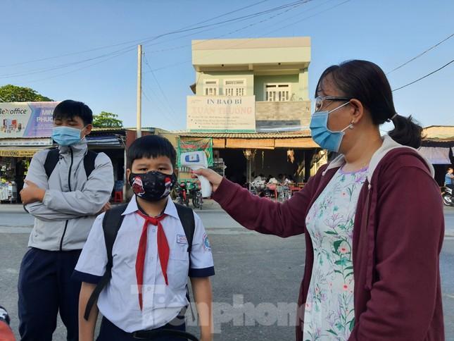 Gần 1,7 triệu học sinh TPHCM chính thức quay lại trường học ảnh 4