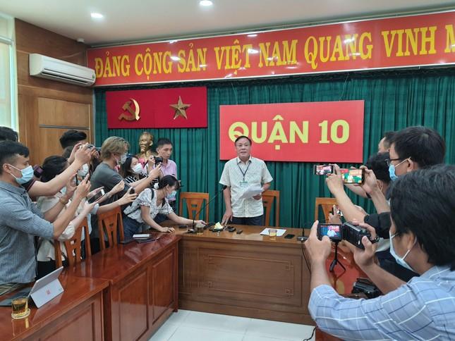 Hiệu trưởng trường Nguyễn Văn Tố giải trình vụ hai thiếu niên bị đánh trong phòng giám thị ảnh 2
