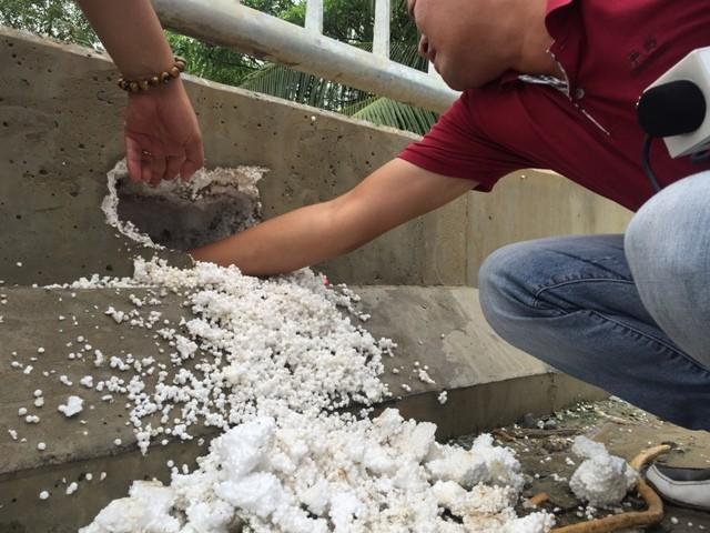 Bê tông lót xốp ở cầu vượt sông ở Hà Nội ảnh 2