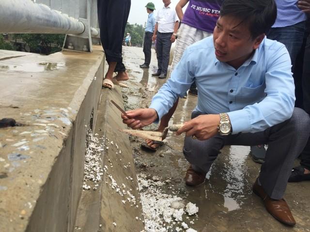 Bê tông lót xốp ở cầu vượt sông ở Hà Nội ảnh 3