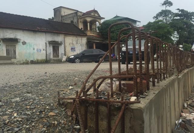 Bê tông lót xốp ở cầu vượt sông ở Hà Nội ảnh 5