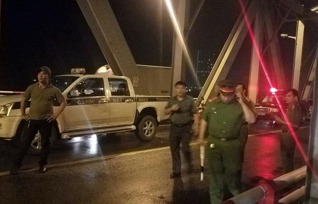 Tai nạn kinh hoàng trên cầu Chương Dương, 3 người thương vong ảnh 1